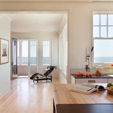 Modern Kitchen by Siemasko + Verbridge