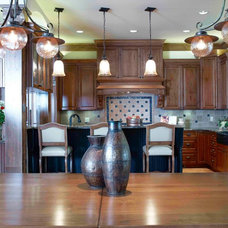 Traditional Kitchen by Thelen Total Construction