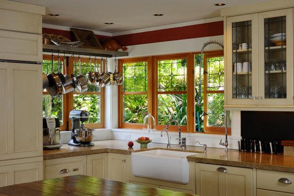 Traditional Kitchen by Richartz Studios, Inc.