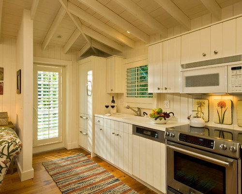 kitchen cabinets with hardware pictures cottage kitchen houzz 8178