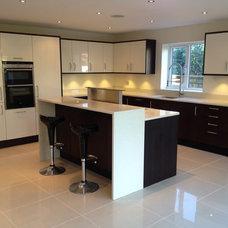 Modern Kitchen by Ascot Developments Ltd
