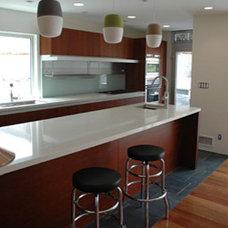 Modern Kitchen by LEANARCH Inc.