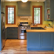 Traditional Kitchen by Domain Architecture and Design
