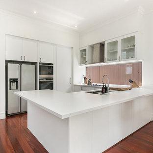 Design ideas for a contemporary kitchen in Perth.