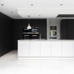 Leicht by Vogue Kitchens - Monochrome Kitchen with Miele Appliances