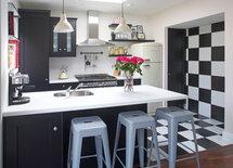 Kitchen cabinets & countertop pls?