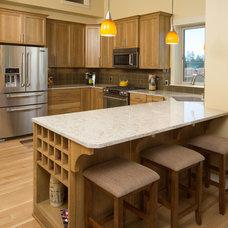 Craftsman Kitchen by Woodcraft Building, Inc.
