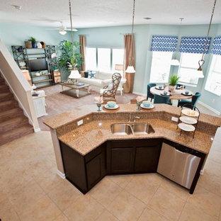 Kitchen - transitional kitchen idea in Jacksonville