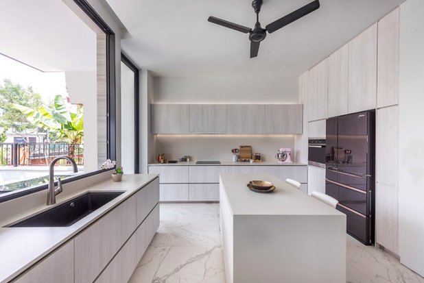 Contemporary Kitchen by Ming Architects