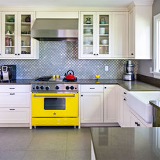 Traditional Kitchen by Gaspar's Construction