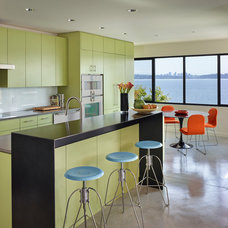 contemporary kitchen by Suyama Peterson Deguchi