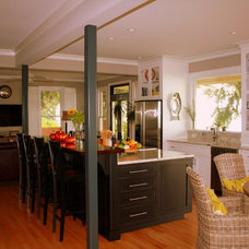 Eclectic Kitchen by Distinctive Designs in Cabinetry, LLC
