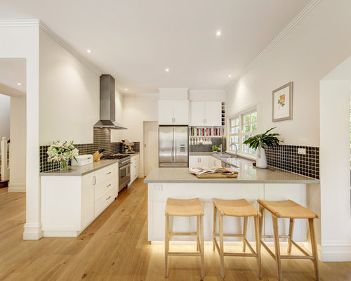 Design Ideas For A Traditional L Shaped Eat In Kitchen In Melbourne With An