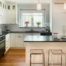 Contemporary Kitchen by MANDARINA STUDIO interior design
