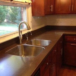 Eat In Kitchen Mid Sized 1960s L Shaped Medium Tone Wood Floor Save Photo Lg Hi Macs 09152017