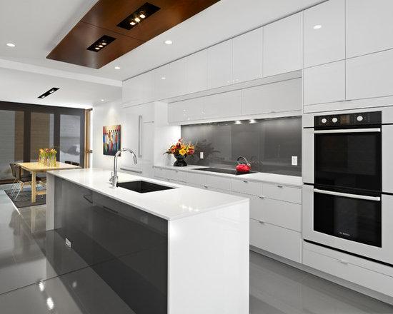 all-time favorite kitchen with glass sheet backsplash ideas