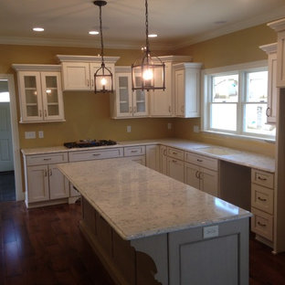 Traditional kitchen designs - Example of a classic kitchen design in Other