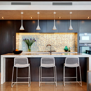 This is an example of a contemporary kitchen in Sydney.
