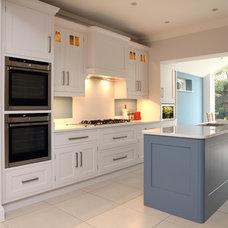 Traditional Kitchen by John Ladbury and Company