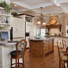 Traditional Kitchen by Leslie Cohen Design