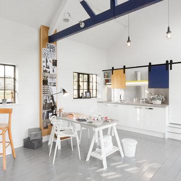 Light, Bright and Airy Art Studio