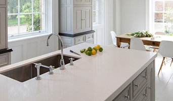 Light coloured Quartzstone kitchen Worktops
