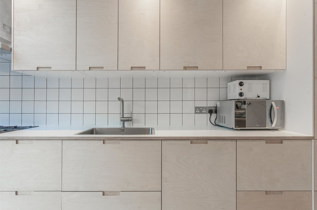 Scandinavian Kitchen by London Dream Building