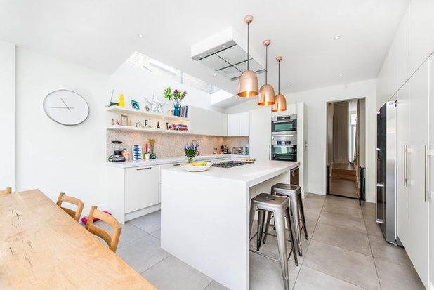 Contemporary Kitchen by CATO creative Ltd