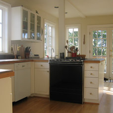 Traditional Kitchen by jARCHITECTS: Jim Rymsza, AIA