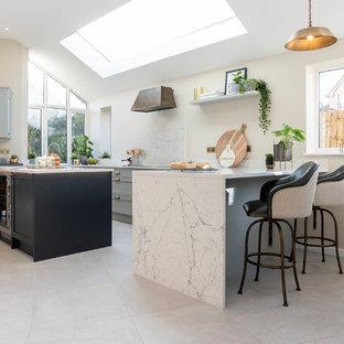 Light Grey and Black Shaker Style Kitchen