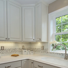kitchen by Summit Design Remodeling, LLC