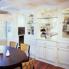 Traditional Kitchen by Lin Lee & Associates