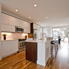 Modern Kitchen by BcDc (B. Costello Design & Consulting, LLC)