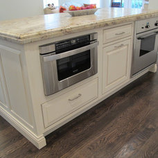 Traditional Kitchen by Greenfield Cabinetry (IL•WI•MN) American made