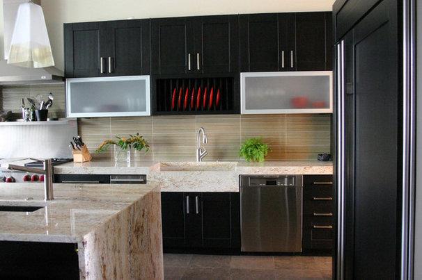 Contemporary Kitchen by Rebekah Zaveloff | KitchenLab