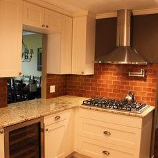 Traditional Kitchen by Design Build 4U Chicago