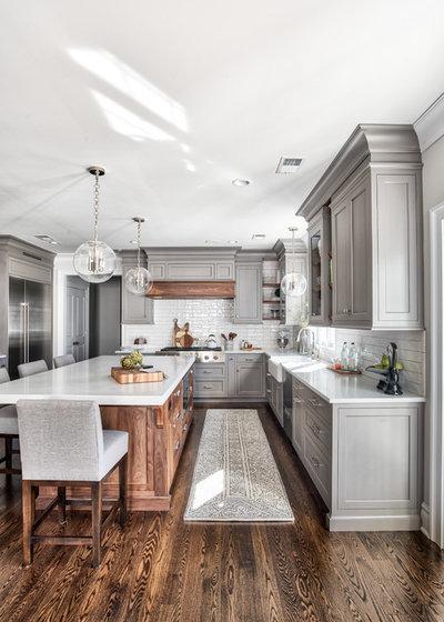 Clásico Cocina by Stonington Cabinetry & Designs