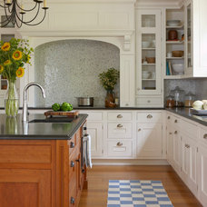 Farmhouse Kitchen by Oak Hill Architects