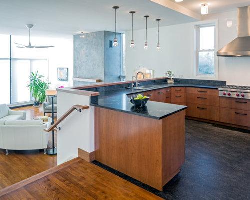 cuisine avec une cr dence en carreau de porcelaine et un sol en linol um photos et id es d co. Black Bedroom Furniture Sets. Home Design Ideas