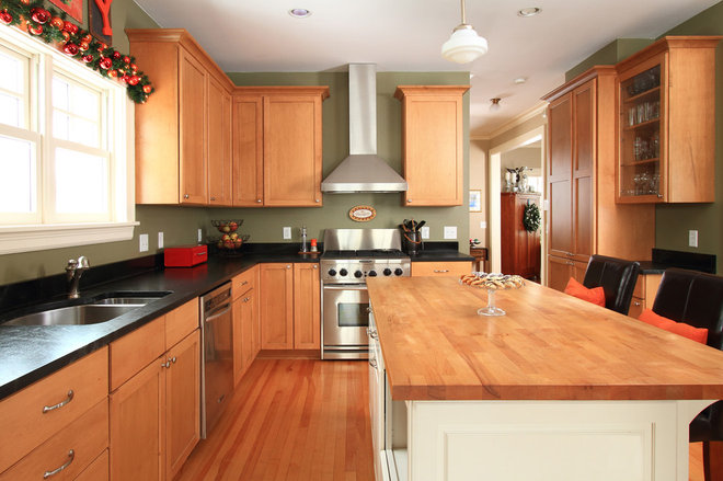 Farmhouse Kitchen by the gudhouse company