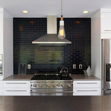 Contemporary Kitchen by CHRISTIAN DEAN ARCHITECTURE, LLC