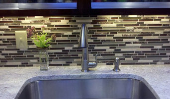 Linear Glass Kitchen Backsplash