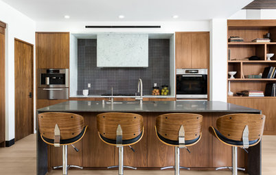 New This Week: 3 Kitchens With Beautiful Midtone Wood Cabinets