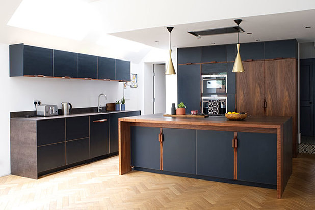 Contemporary Kitchen by JamesFurniture