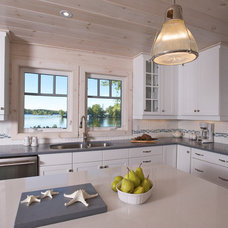 Beach Style Kitchen by Di Pietra Design