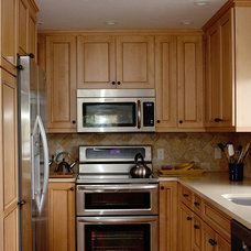 Traditional Kitchen by Edgewater Contractors Inc