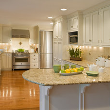 Traditional Kitchen by lisa furey - barefoot interiors