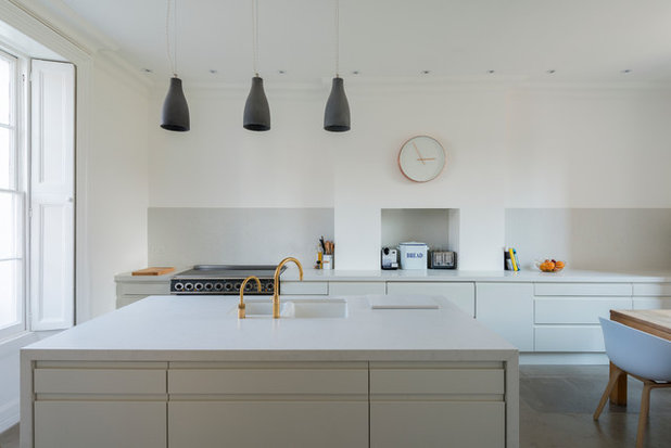 Contemporary Kitchen by Thomson Lavers Architects Ltd