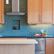 Modern Kitchen by BARRETT STUDIO architects