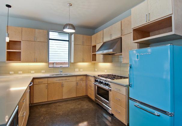 Modern Kitchen by Adapt Architecture & Construction